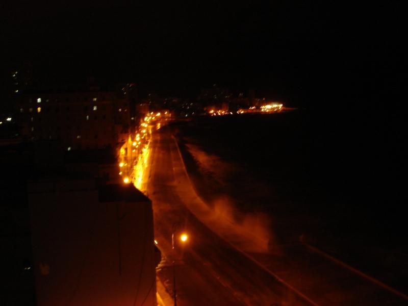 Malecon_noche